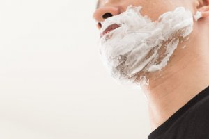 ③脱毛クリームで毛根から髭を除去する方法