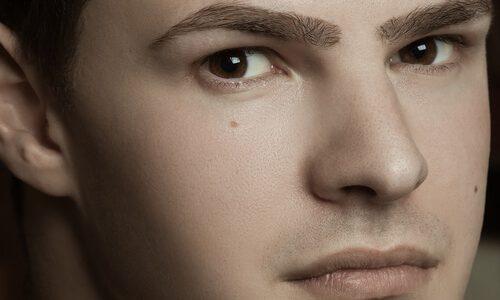 【タイプ別】メンズの顔・目・眉におすすめな眉毛のデザイン6選