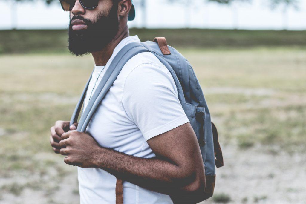 男性の髭脱毛が増えた理由