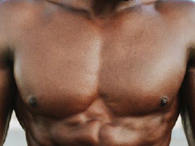 筋トレで大胸筋を鍛える方法10選!自宅トレーニングも紹介!