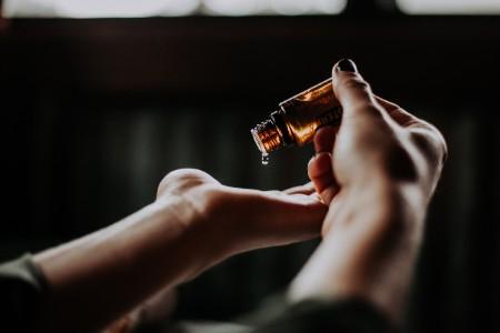 フェロモン香水 塗る場所 香水