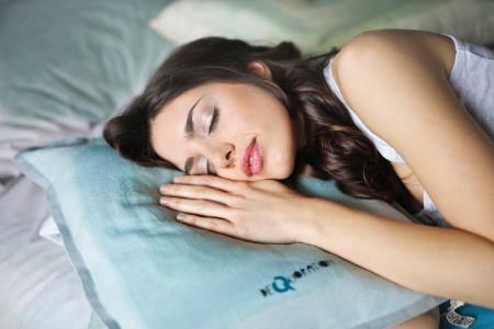 メンズ いちご鼻 原因 睡眠不足