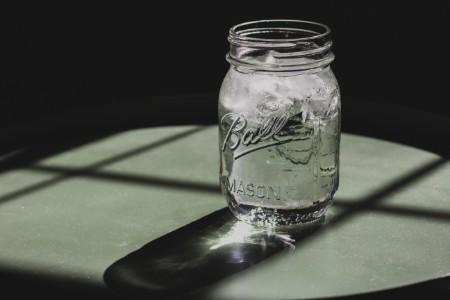 お酒を飲むときは、大量に水分を取る
