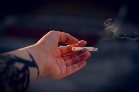 メンズいちご鼻 原因 喫煙