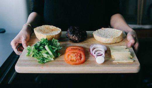 筋トレと食事はセットで考えるべき!筋トレの効果をサポートする食事の知識
