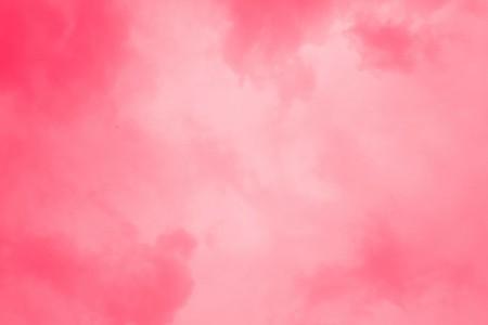色白にはピンク