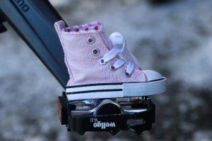 ピンクスニーカー