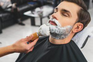時間経過で剃りやすくなる濃いヒゲは最後に剃る