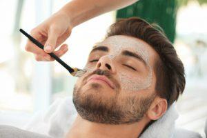 スクラブ洗顔料を使う時は、目を痛めないよう注意!