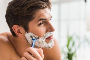 ②髭剃りのダメージ・刺激