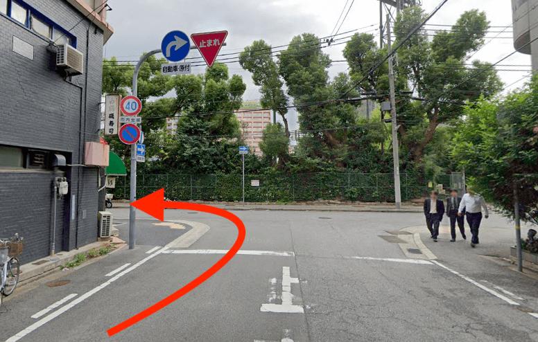 地下鉄海岸線三宮・花時計前駅3番出口から最短ルートで行く方法
